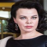 Debi Mazar - A Professional Actress and Television Personality, Wife of an Entrepreneur, Cook and Television Personality Gabriele Corcos, Who Revealed She has Coronavirus on The 22nd of March, 2020