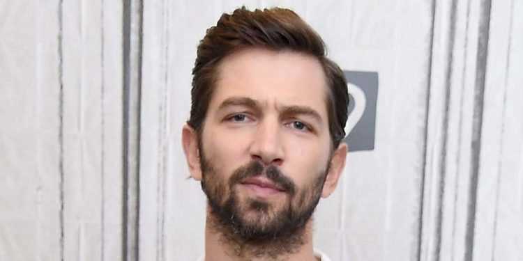 Michiel Huisman Biography Age Height Net Worth 2020 Movies Tv Shows