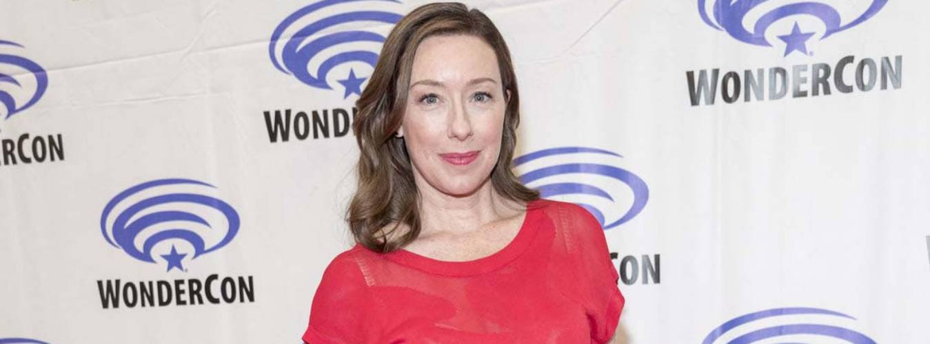 Molly Parker Net Worth – How Rich is Molly? How Much Does She Earns From Acting Career?