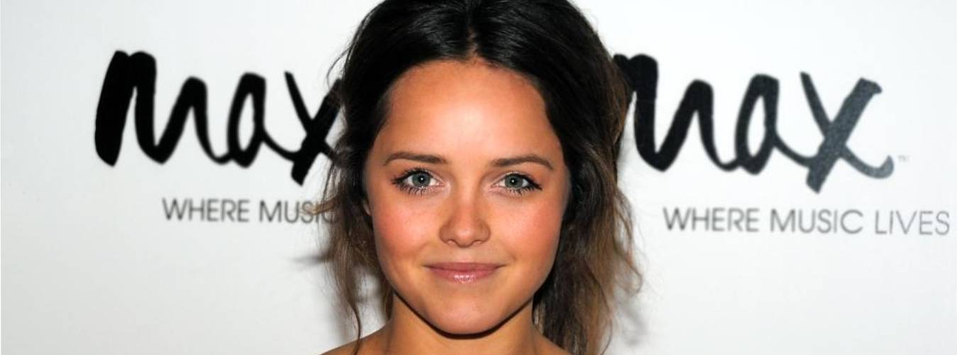 Rebecca Breeds Net Worth – Click Here to Discover More About Her Earnings